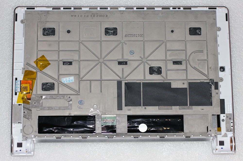 009861_Lenovo_B8000_bottom.jpg